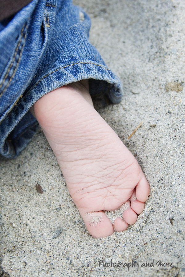 baby foot / Connecticut baby photographer