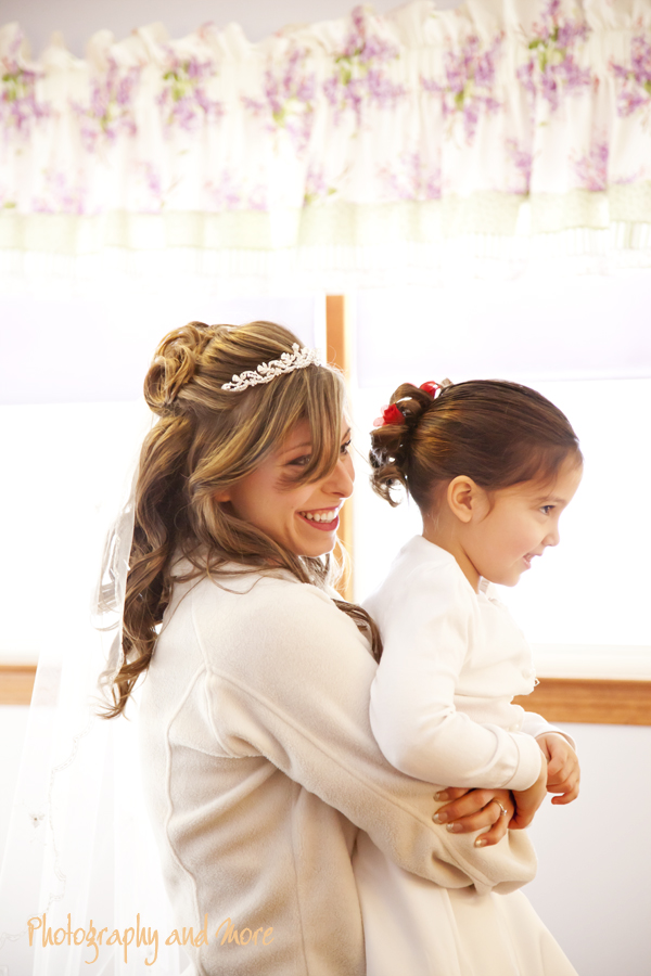 Bride and flower girl / CT wedding photographer